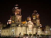 Mexico city cathedral by night. Фото Adam Wolszczak - Depositphotos