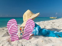 Perfect vacations accessories at Caribbean beach. Фото Patryk Kosmider - Depositphotos