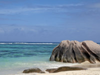 Source d Argent beach, La Digue island, Seychelles. Фото romancenek - Depositphotos