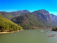 Lake in the Taurus Mountains, Turkey. Фото RVC5Pogod - Depositphotos