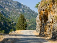 Road near Alanya in Taurus Mountains, Turkey. Фото Robert Dziewulski - Depositphotos