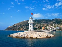 Lighthouse in port Alanya, Turkey. Фото Vladimir Elkin - Depositphotos_11801783
