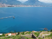 View of the Turkish city and port of Alanya. Фото g215 - Depositphotos_11113770