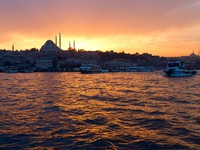 View of center of Istanbul by night, Turkey. Фото alexandragl - Depositphotos_5561052