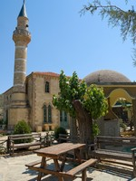 A very small old mosque in a village in Turkey. Фото Brian Chase - Depositphotos_2216794
