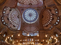 Interior of the Sultanahmet Mosque (Blue Mosque) in Istanbul, Turkey. Фото Mikhail Markovskiy - Depositphotos_15733297