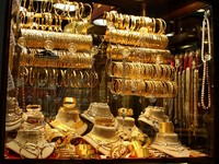 Jewelry store in Grand Bazar - Kapala Carsi - Istanbul, Turkey. Фото Rimma Akbudak - Depositphotos_1216980