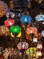 Traditional turkish lamps on the market. Фото Fedor Selivanov - Depositphotos_3109794