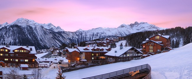 Франция. Куршевель - 1850. Aristocratic ski resort of Courchevel in France, Фото Lila Ioannidis - Depositphotos