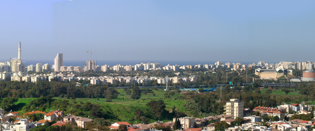 Израиль. Тель-Авив. Panorama  of Tel Aviv from the city of Ramat Gan. Фото Ludmila Peker - Depositphotos