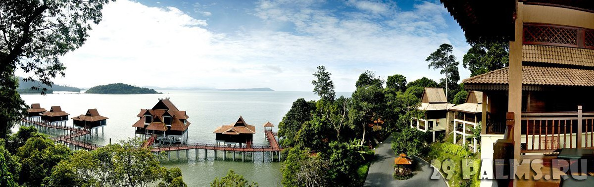 Малайзия. Лангкави. BerjayaLangkawi_Resort_Aerial_View_-_Land_and_Water_Chalets