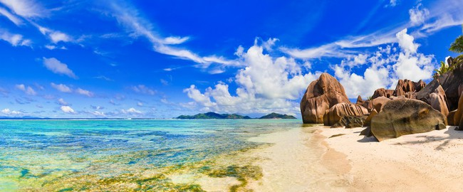 Сейшелы. Beach Source d'Argent at Seychelles. Фото Nikolai Sorokin - Depositphotos