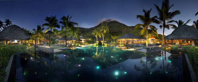 Сейшелы. О.Силуэт. Hilton Seychelles Labriz Resort & Spa. Poolby Night