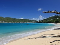 Сент Винсент и Гренадины. Tropical beach on Bequia Island, St. Vincent in the Caribbean. Фото Achim Baque - Depositphotos