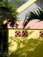 St. Vincent, Kingstown. Typical caribbean architecture bequia st. vincent. Фото Robert Lerich - Depositphotos