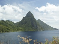 Сент-Люсия. Caribbean, St. Lucia, view on Petit and Gros Piton. Фото Philip H. Coblentz - Depositphotos