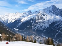 Франция. Альпы. Skiing at French Alps near Chamonix Mont Blanc. Фото victor_palych - Depositphotos