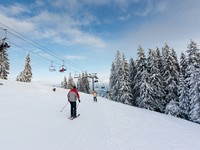 Winter mountain landscape with skiing slope. Фото leonid_tit - Depositphotos