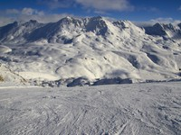 Ski resort France Espace Killy. Фото Igor Simanovskiy Depositphotos