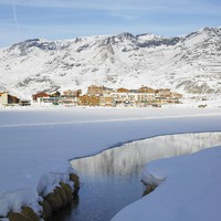 Франция.Tignes-le-Lac, Alps Mountains, Savoie, France. Фото Richard Semik-Depositphotos