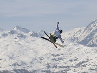 Freestyle skier in les Arcs. France. Фото rocsprod - Depositphotos