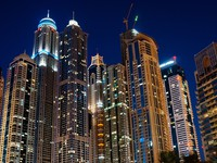ОАЭ. Дубаи Марина. Dubai Marina at night. United Arab Emirates. Фото Observer - Depositphotos