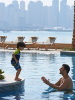 ОАЭ. Дубай. Fairmont The Palm, Dubai. Family Pool