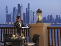 ОАЭ. Дубай. Fairmont The Palm, Dubai. Seagrill on 25° Restaurant & Lounge