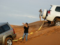ОАЭ. Дубай. Джип сафари. Jeep safari of the arabian desert in Dubai. Фото  Observer - Depositphotos
