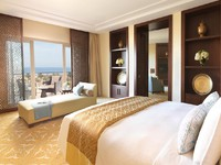 ОАЭ. Дубай. The Ritz-Carlton, Dubai. Junior Suite