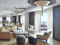 ОАЭ. Дубай. The Ritz-Carlton, Dubai. Club Lounge A 09