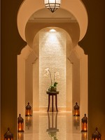 ОАЭ. Дубай. The Ritz-Carlton, Dubai. Spa Corridor