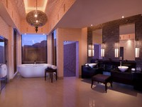 ОАЭ. Рас-эль-Хайма. Banyan Tree Al Wadi. Al Rimal Villa Bathroom