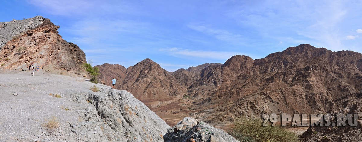 ОАЭ. Фуджейра. Panorama Hajjar mountain. emirate fujairah. Фото evgeniapp - Depositphotos