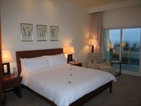 ОАЭ. Фуджейра. Radisson Blu Fujairah Resort. Standard Room. Фото Павла Аксенова
