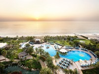 ОАЭ. Фуджейра. Le Meridien Al Aqah Beach Resort. Pool and Gardens