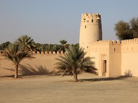 ОАЭ. Абу Даби. Форт Аль-Джахили. Al Jahili fort in Al Ain, Emirate of Abu Dhabi, Фото Philip Lange - shutterstock
