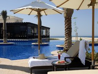 ОАЭ. Абу-Даби. Desert Islands Resort & Spa by Anantara. Pool side