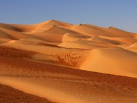 ОАЭ. Пустыня Руб-эль-Хали (Rub' al Khali). Dunes in the Empty Quarter. Фото pannoneantonio - Depositphotos