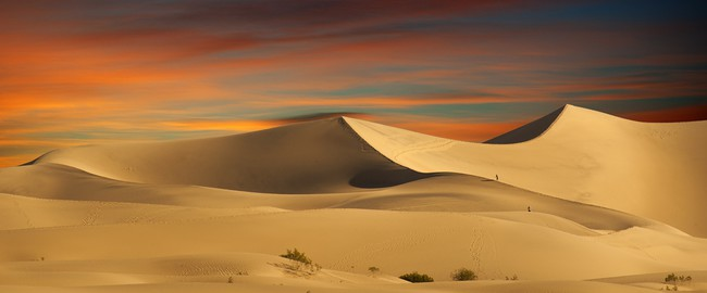 ОАЭ. Пустыня Руб-эль-Хали (Rub' al Khali)Sandy desert at sunset time. Фото Somchai Jongmeesuk - Depositphotos
