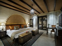 ОАЭ. Абу-Даби. Qasr Al Sarab Desert Resort by Anantara. Twin bed Deluxe room