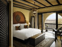 ОАЭ. Абу-Даби. Qasr Al Sarab Desert Resort by Anantara. Deluxe Balcony room