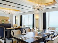 ОАЭ. Абу-Даби. The St. Regis Abu Dhabi. Al Hosen Suite - Dining Room