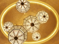 ОАЭ. Абу-Даби. The St. Regis Abu Dhabi. Chandeliers - Detail