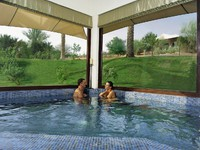 ОАЭ. Дубай. Al Maha, A Luxury Collection Desert Resort & Spa. Timeless Spa. Jacuzzi