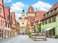 Германия. Rothenburg ob der Tauber, Franconia, Bavaria, Germany. Фото jakobradlgruber - Depositphotos