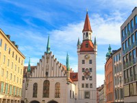 Германия. Бавария. Munich, Old Town Hall with Tower, Bavaria, Germany. Фото Bertl123 - Depositphotos