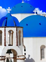 Греция. Санторини. Blue churches domes Santorini. Фото  Maugli - Depositphotos