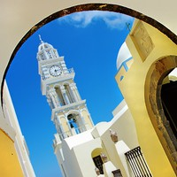 Греция. Санторини. Churches of beatiful Santorini. Фото Maugli - Depositphotos