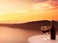 Греция. Санторини. Red Wine Sunset. Фото Ben Goode - Depositphotos
